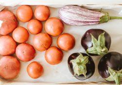 Чем полезны баклажаны и помидоры?